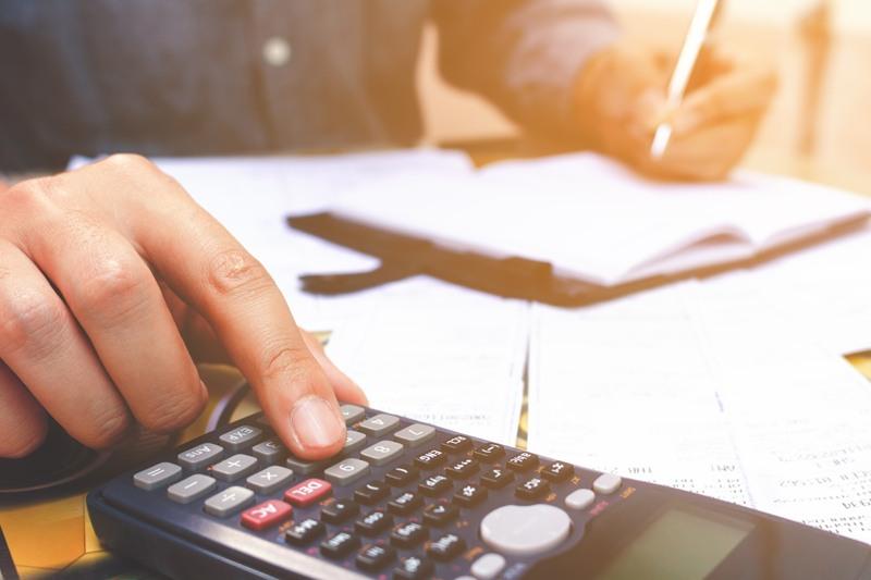 Steuer und Gebuehren