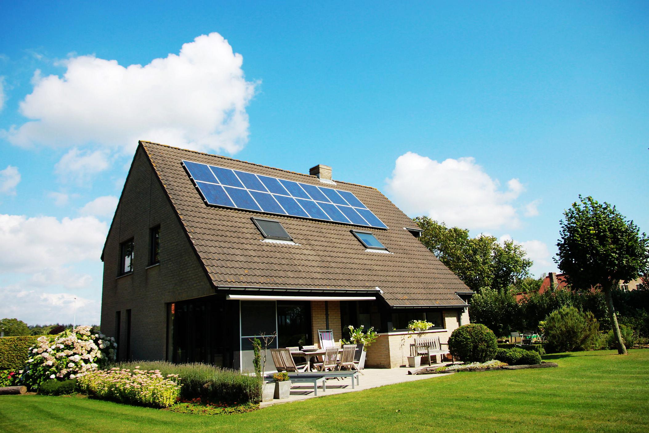 Eine Dacheindeckung, um die Sonnenergie zu nutzen. Foto: feetitchy via Twenty20
