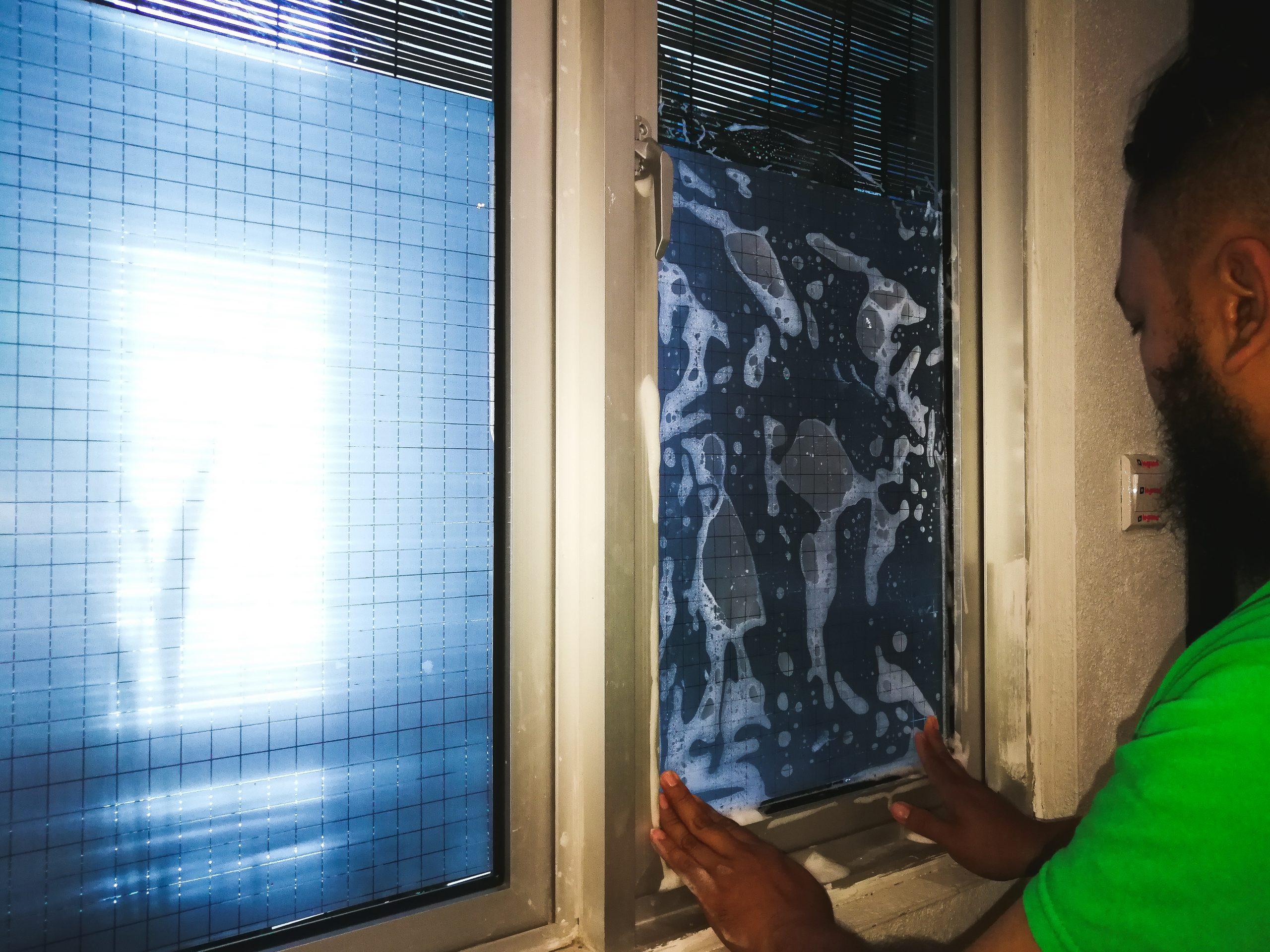 Fensterfolien können auch dem Einbruchschutz dienen.
