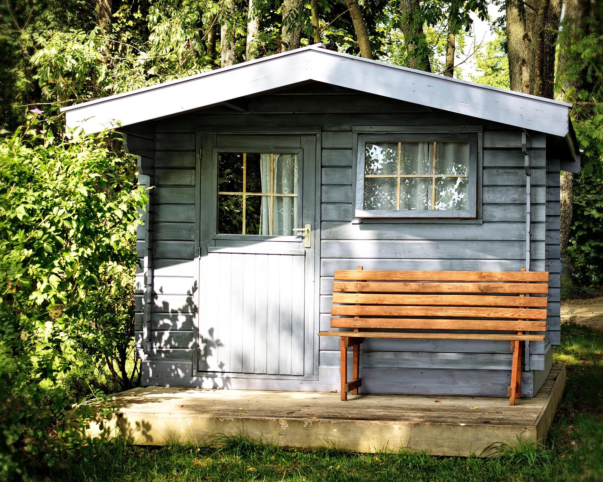 Gartenhäuser sollten gegen Kälte und Wärme isoliert werden.