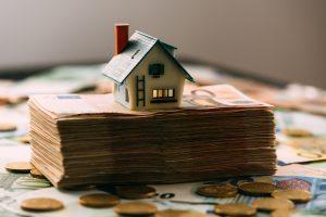 Können sich Bauherren und Immobilienkäufer bald auch in Deutschland über Negativzinsen freuen?