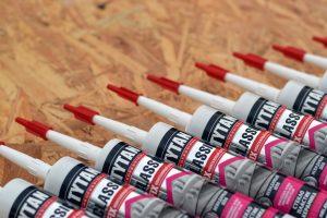 Ob dieser Klebstoff geeignet ist, um Porzellan und Keramik zu reparieren? Foto: Mehaniq via Twenty20