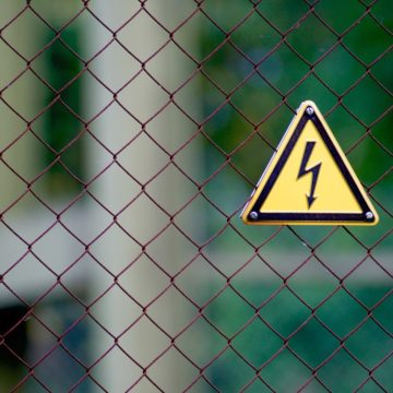Stromschlag: Lebensgefahr in den eigenen vier Wänden
