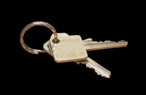 Wohnungstür zugefallen? Daran erkennen Sie einen seriösen Schlüsseldienst.
