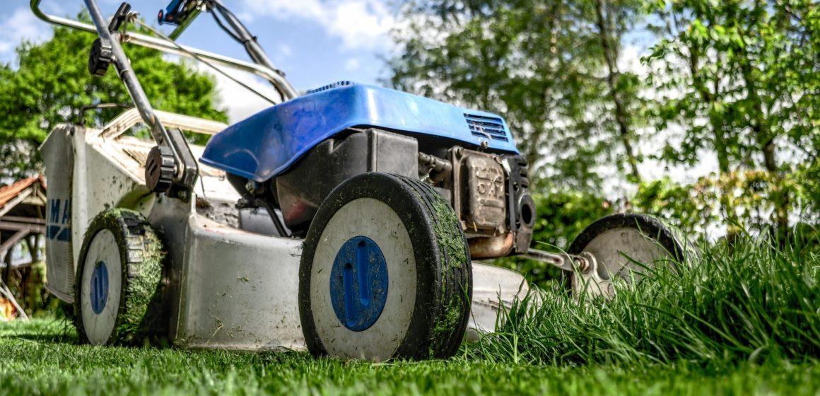 Nebenkosten: Neuer Rasenmäher kostet
