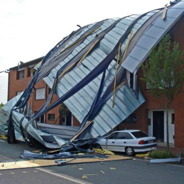 Sturm: der beste Versicherungsschutz für Haus, Hab & Gut